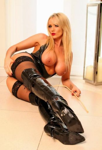 Mistress Zara from London