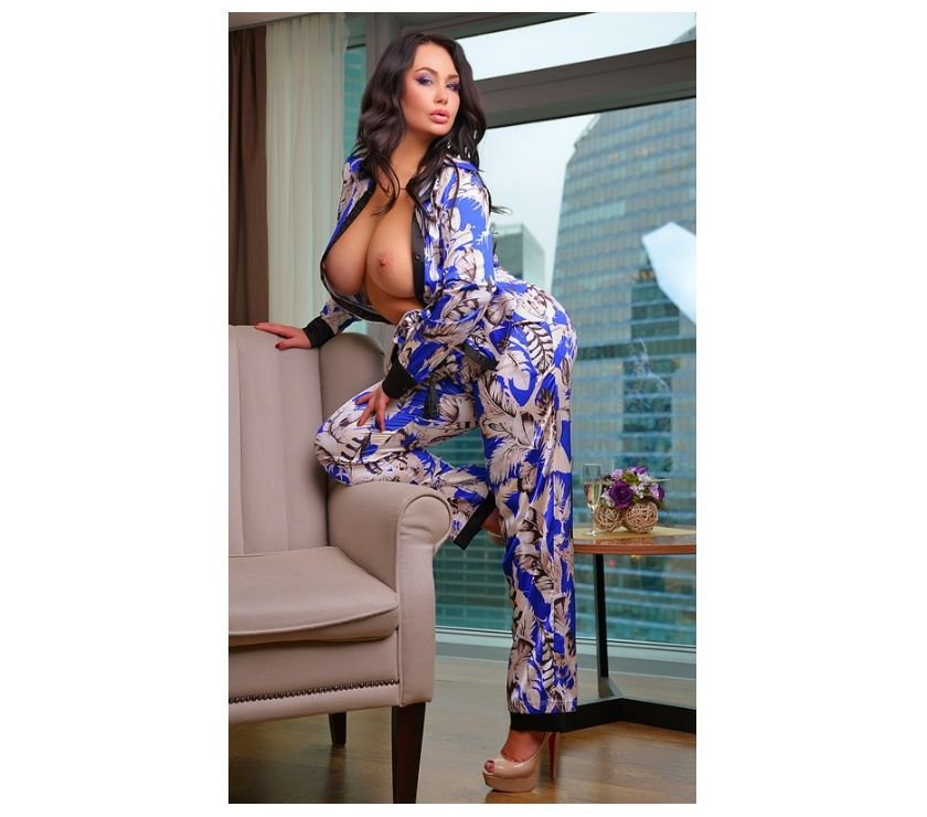 MONA HOT FOR YOU NEW IN DUNDEE