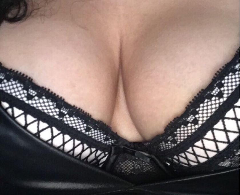 Miss Meghan New to Sheffield!!