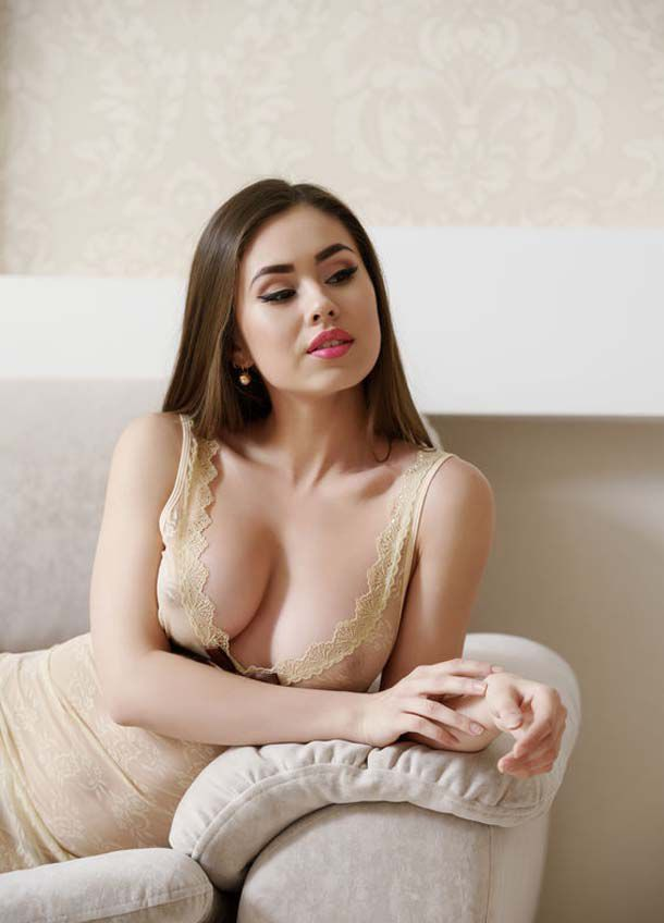 Hire professional  Escorts in Canary Wharf