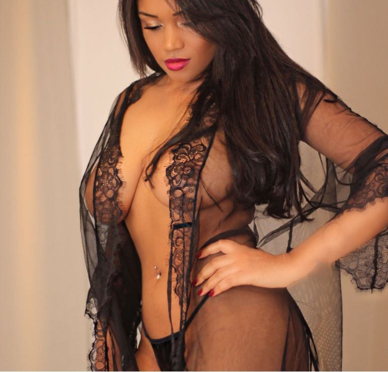 Amanda MISS Brazil in BAYSWATER! Sophisticated sexy lady