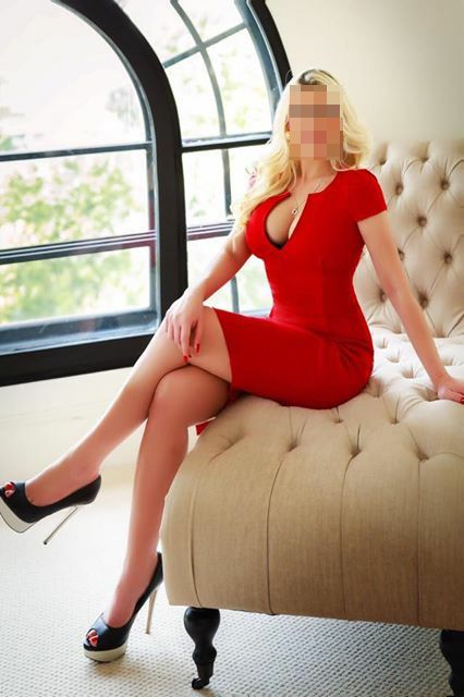 KINKY KARLINA OUTCALLS TO BUCKINGHAMSHIRE CALL ME !!!