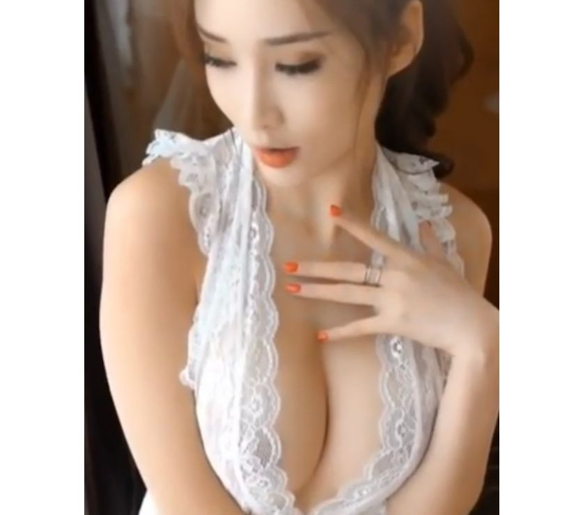 *NEW* Independent Sexy Horny and Playful Taiwanese Girl