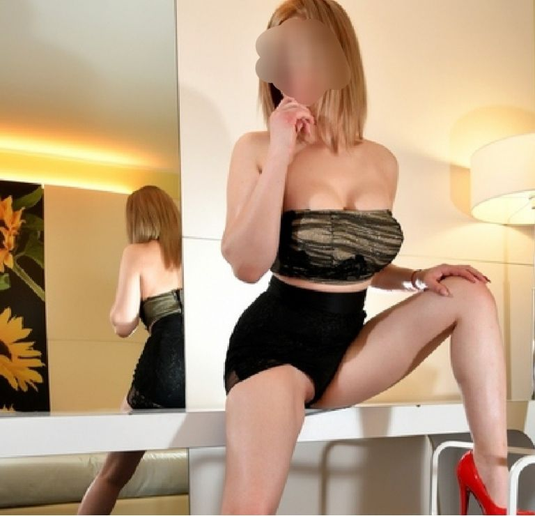 MANCHESTER LUXURY ESCORTS:NADINE ---HUDDERSFIELD OUTCAL